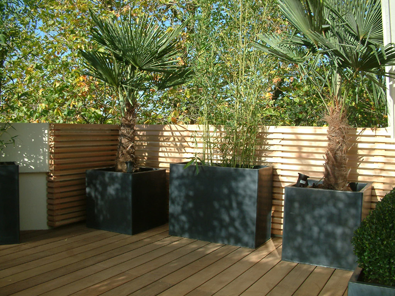 Minimalist balcony design and landscaping London